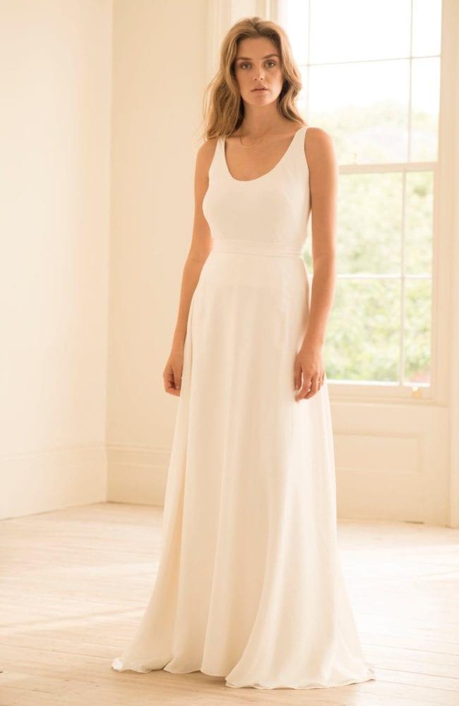 scoop neck sleeveless top silk wedding skirt