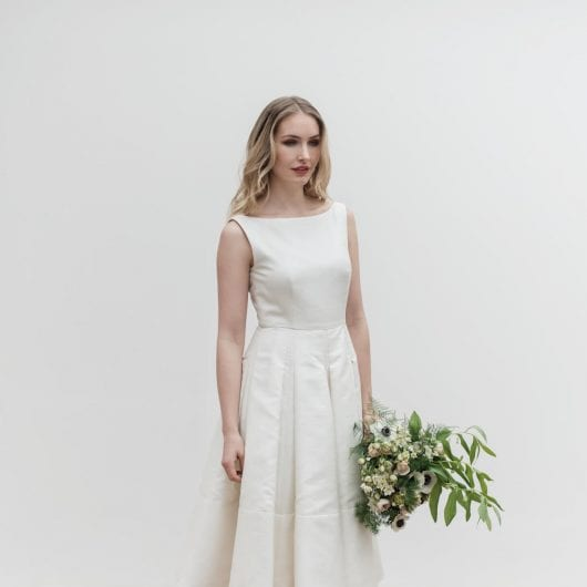boat neck sleeveless pleated wedding dress