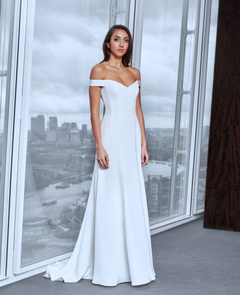 minimalistic corset v-neck wedding dress