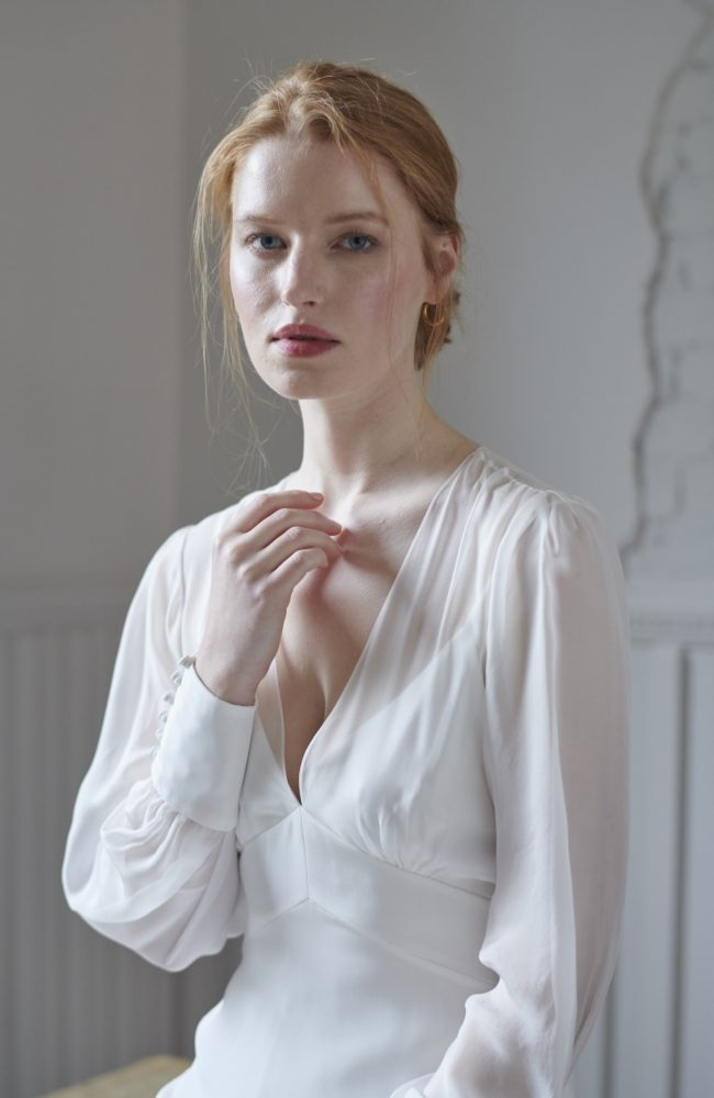 long sleeve v neck wedding dresses