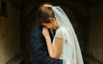 simple long lace edge veil